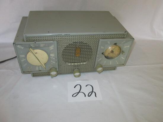 Zenith Model Y733 Radio