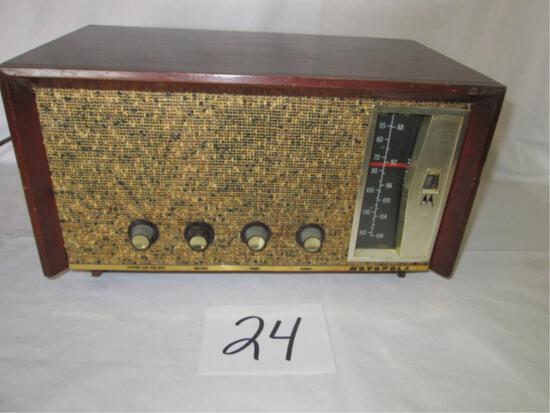 Motorola Model 10T28M Radio
