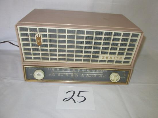 Zenith Model A724 Radio