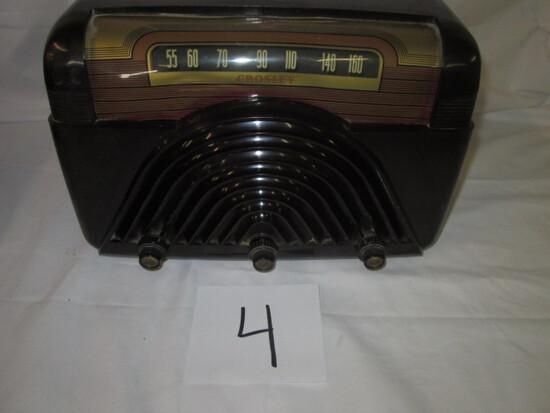 Crosley Model 9-102 Bakelite Radio
