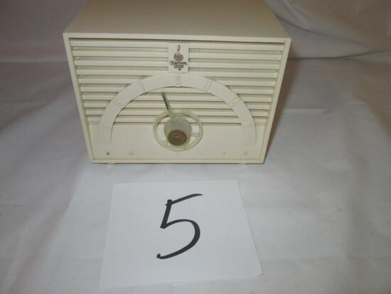 Emerson Model 811 Series B Radio