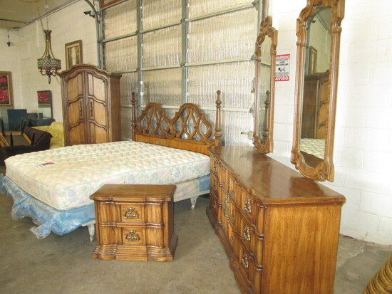 Burlington House Furniture Lexington NC King Bedroom Suite with Sealy Mattress Set