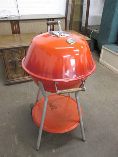 Retro Red/Orange Kettle Grill Weber?