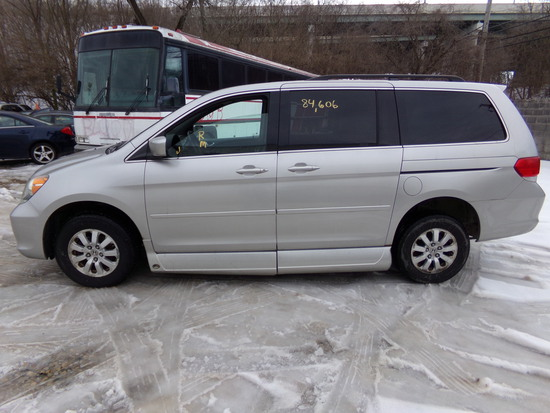 2009 Honda Odyssey with Wheel Chair Lift