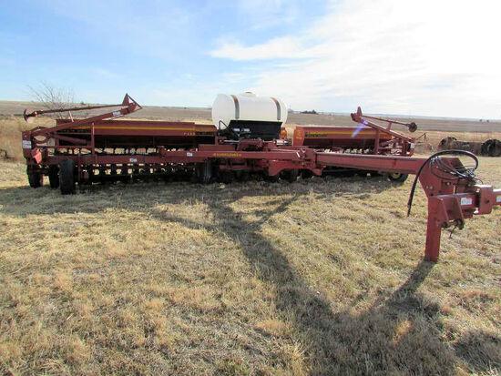 """2001 Model 9433-90 Sunflower Grain Drill, 30ft.  No-Till 3 Section, 10"""", Dr"""