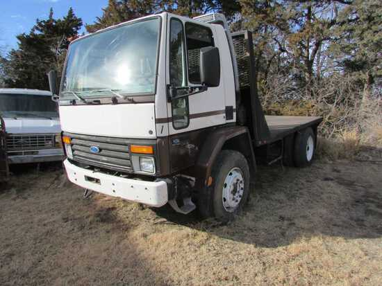 1988 Ford Cargo 6000 Airport Truck W/Flatbed W/Goosneck Ball, 6 Cyl. Ford D