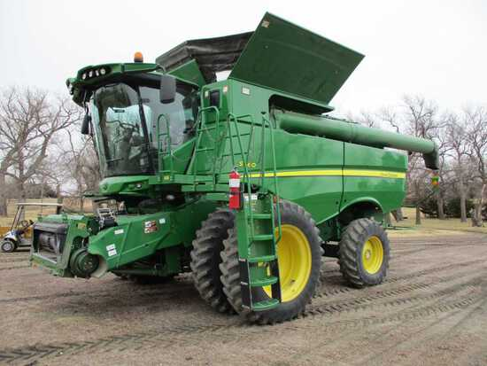 """2013 JD S660 Combine SN#1H0S660SCDO765100, 1522 Engine Hours, 990 Sep Hour"