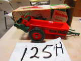 JR. FARMER NEW IDEA MANURE SPREADER PLASTIC TOY VERY RARE WITH ORG. BOX