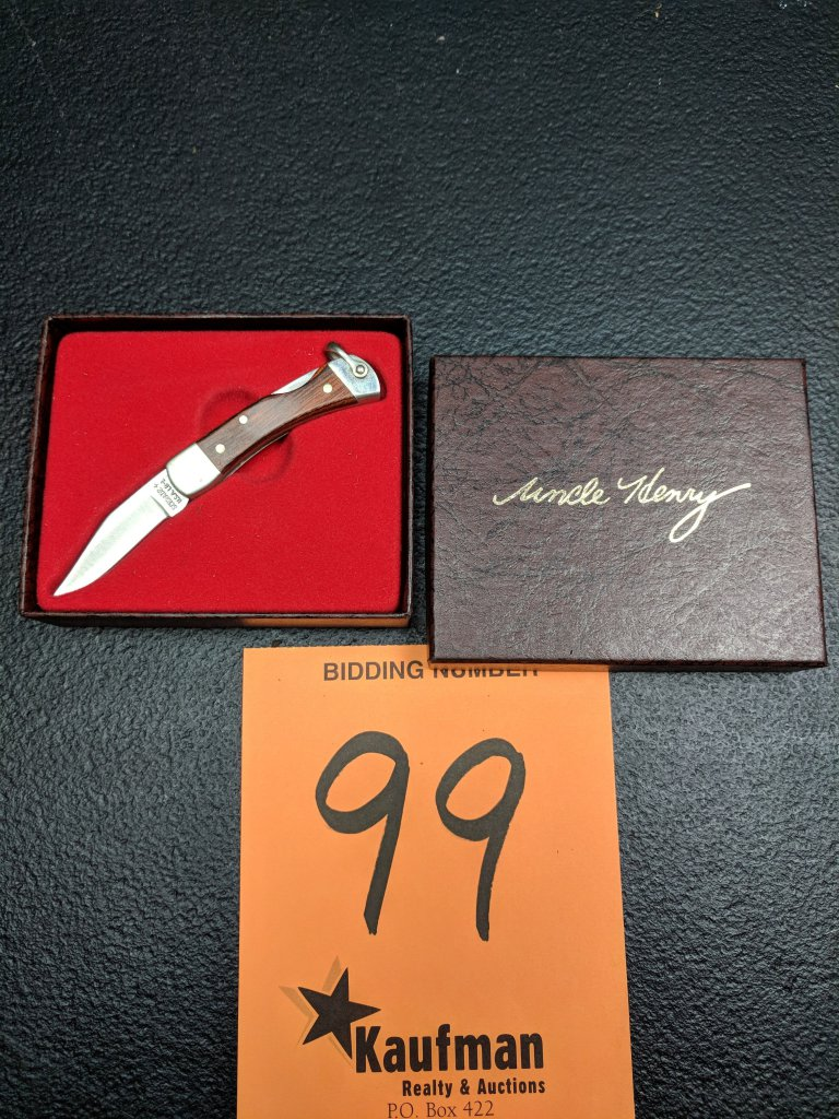 Schrade Uncle Henry LB1 Pocket Knife with box