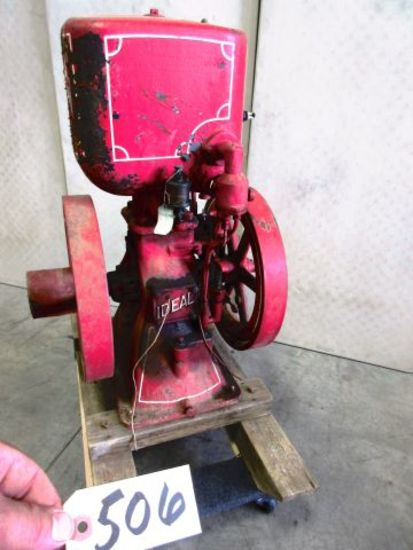 IDEAL 2 1/2 H.P. VERTICAL COMPLETE ENGINE VERY NICE CLEAN IT UP AN YOU ARE READY FOR THE SHOW