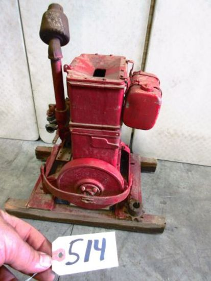 LEROY TWIN CYLINDER VERDICAL MISSING MAG. OTHER WISE COMPLETE CLEAN IT UP AN YOU GOT A DANDY