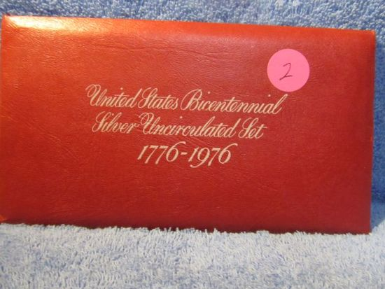 1976 3-PIECE SILVER MINT SET IN RED ENVELOPE