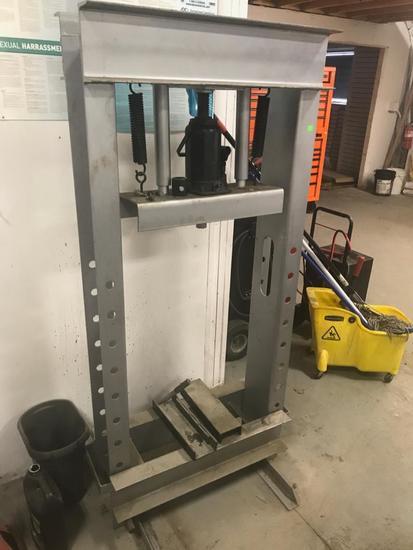 IIT Professional 30 Ton Shop Press