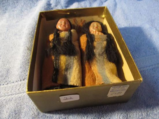 PAIR OF NATIVE AMERICAN DOLLS IN BOX