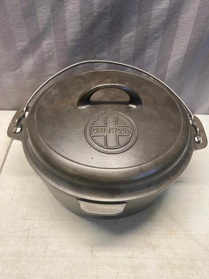 #8 Cast Iron Griswold Dutch Oven with lid