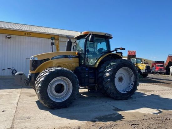 '12 Challenger MT685D tractor