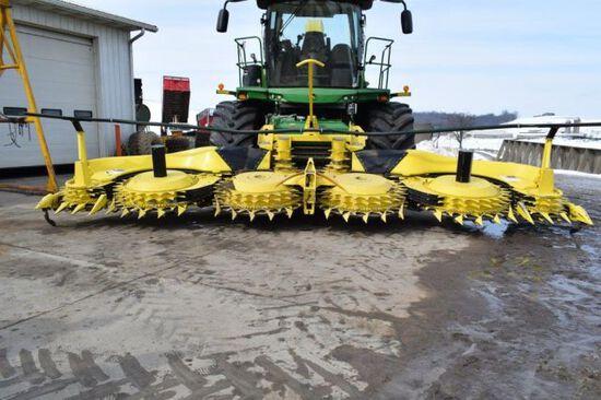 '17 JD 770 10 row corn head
