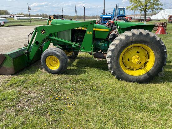 John Deere 2640 Tractor With Loader