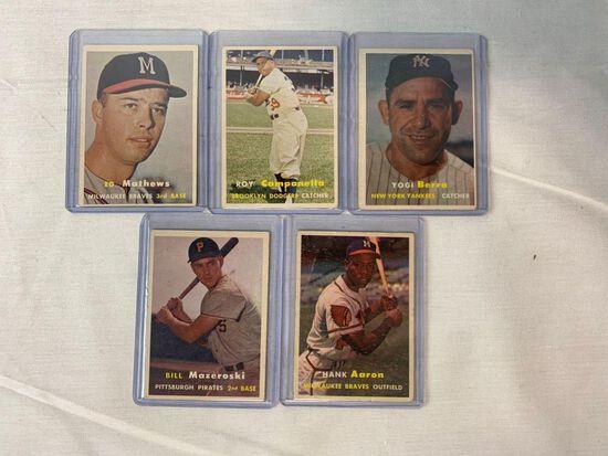 1957 Topps Hall Of Famer Lot of 5 - Aaron, Berra++