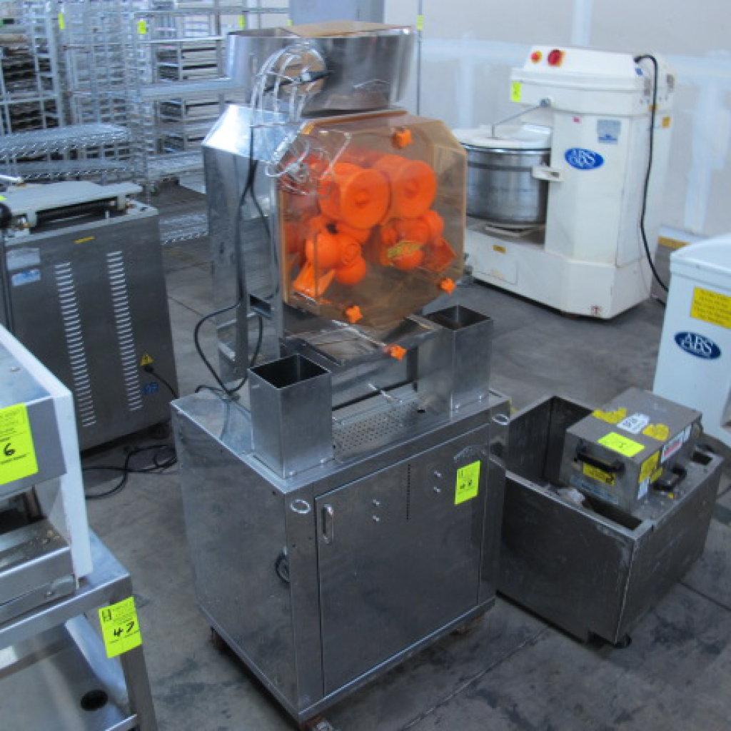 Citrocasa orange juicing machine