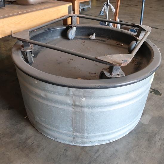 circular watering trough, w/ casters