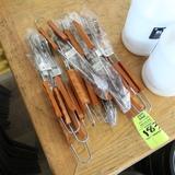 quantity of NEW tongs