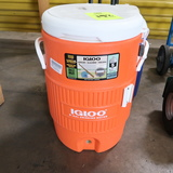 Igloo 5 gal drink cooler, NEW, but missing spout