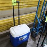 Igloo 28 qt cooler, w/ wheels & handle