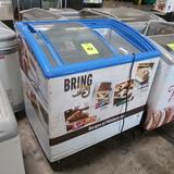 freezer showcase