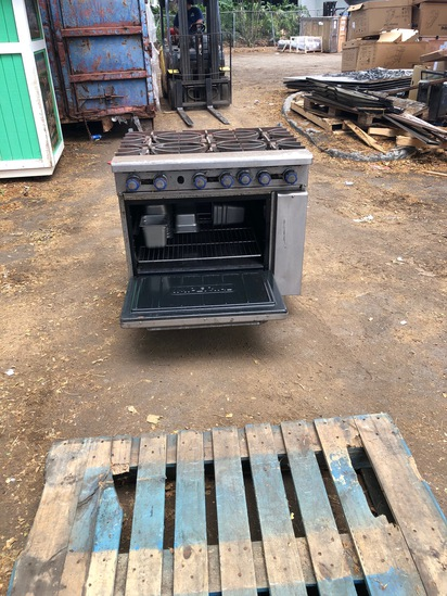 Natural Gas Oven W/ Range