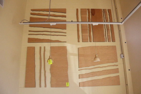 Saw-Cut Wood Wall Décor