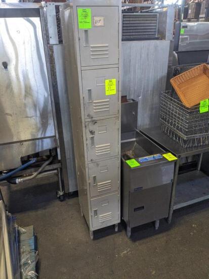 5 door employee lockers