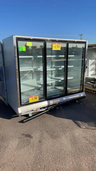 2001 Hussmann Low Temp Case