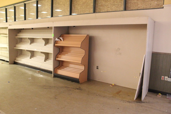 24' Lighted Millwork W/ Book And Magazine Racks