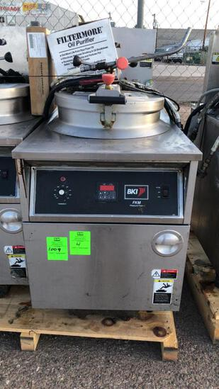 2015 BKI FKM-F Pressure Fryer