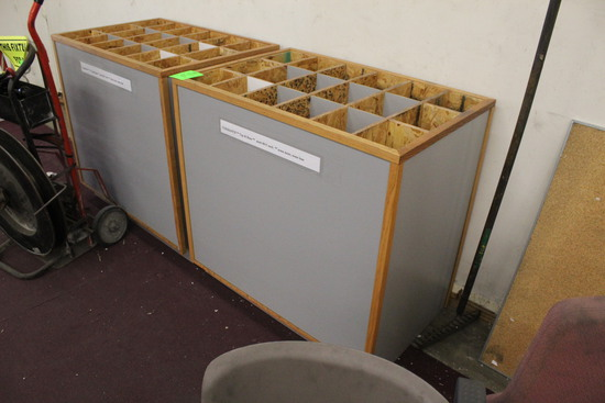 Compartmentalized Merchandisers