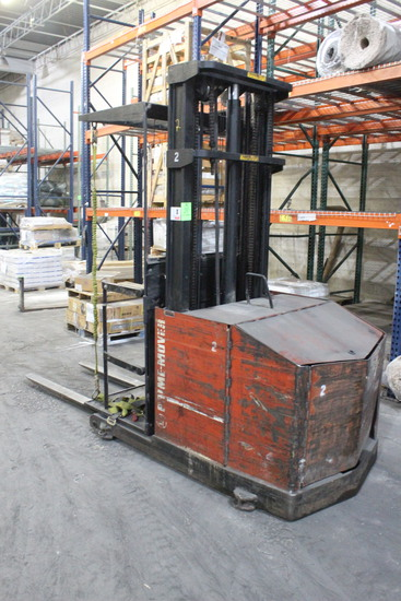 BT Prime Mover Stand-Up Forklift
