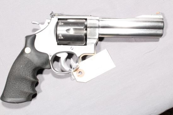 SMITH WESSON 29-3 CLASSIC, SN BPR8086,