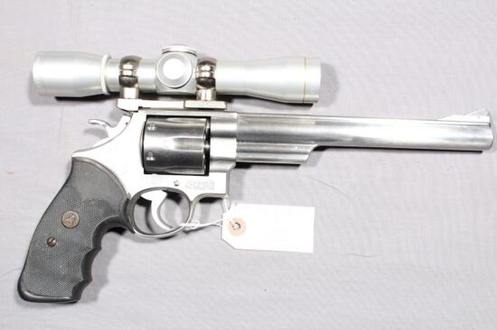 SMITH WESSON 657, SN AUC3488,