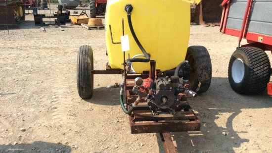 Sprayer with pump 200 gallon