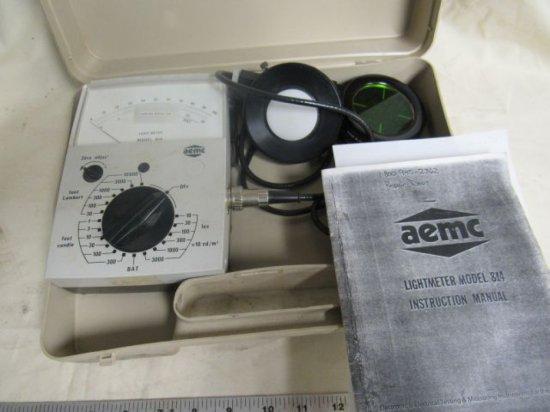 AEMC Light meter Model 814