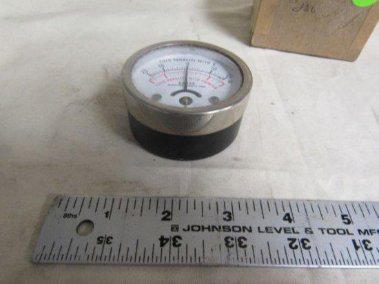 Gauss Annis Model 25 Magnatometer Magnetic Field Indicator