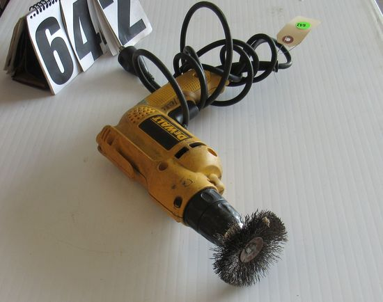 "Dewalt 3/8"" geared drill motor with quick change chuck comes with wire brush wheel good condtion"