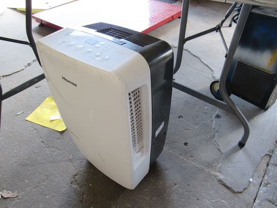portable Hisense dehumidifier and filter (great condtion)