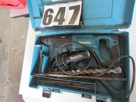 "Makita 1/2"" hammer drill with large collection of masonry bits 1/8"" up to 1"" and case drill works go"