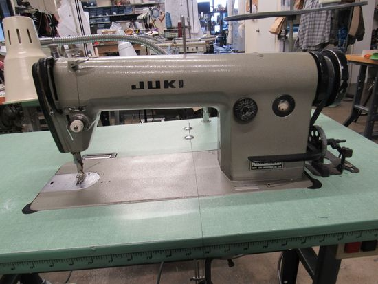 Juki DDL-5550N High-speed Single Needle Straight Lockstitch Industrial Sewing Machine with thread ra