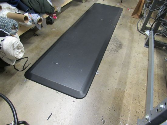 Rubber Fatigue Mats 18 by 72 excellent condition Black