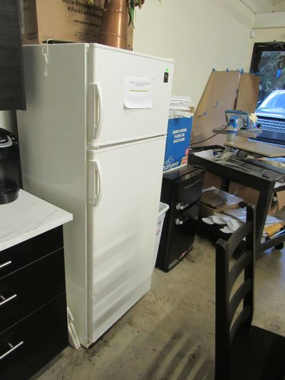 GE Refrigerator Freezer, Apartment Size.  Good working condition