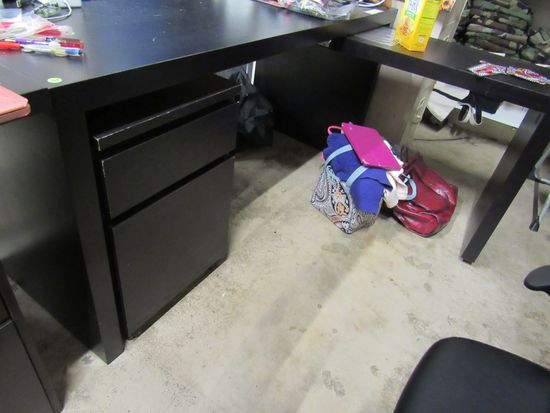 60 desk with right hand return with rolling file cabinet