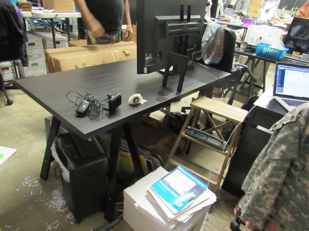 60 inch desk with sawhorse legs